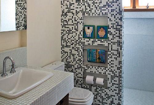 banheiro peque aproveitando o espaço