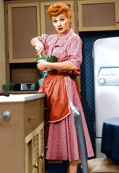 #LucilleBall played down her natural glamour, opting instead for a kooky, lovable dizziness and a wardrobe filled with patterned shirtdresses. http://www.instyle.com/instyle/package/general/photos/0,,20396039_20476958_20929171,00.html: