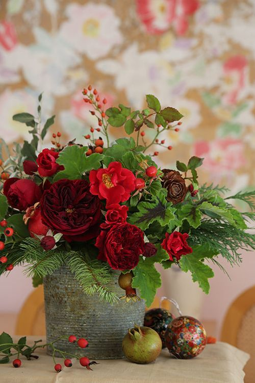 Red rose bouquet from the garden for Christmas: