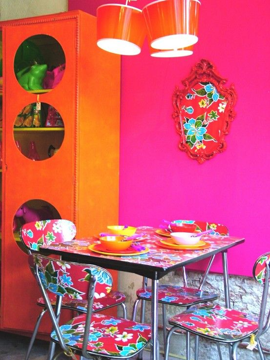 Kitsch Kitchen Corner Chairs Plastered