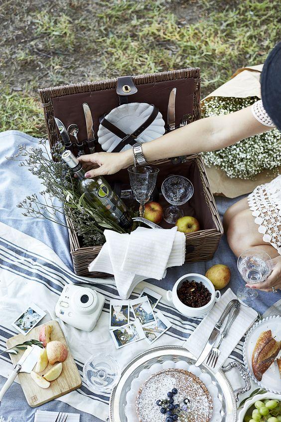 Picnicking with Ecco Domani: