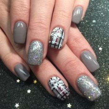 Winter Fashion by Rikki2007 from Nail Art Gallery: