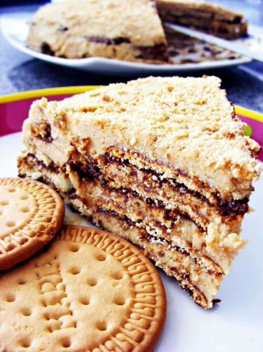 Bolo de Bolacha. Maria cookie cake: