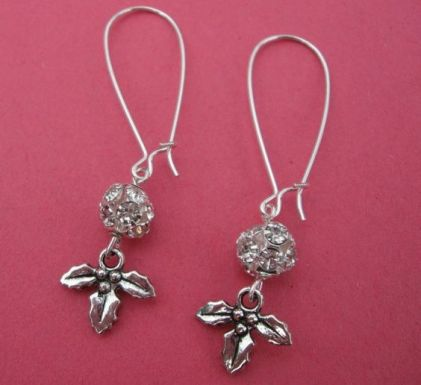 DECK THE HALLS earrings on French wires. Pretty!: