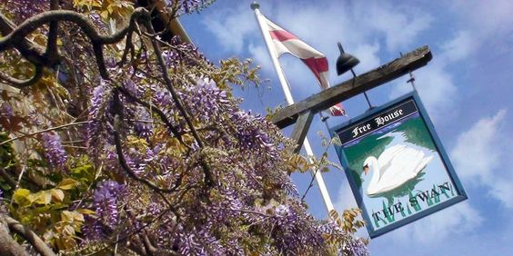The Swan At Swinbrook - A Cotswold Inn: