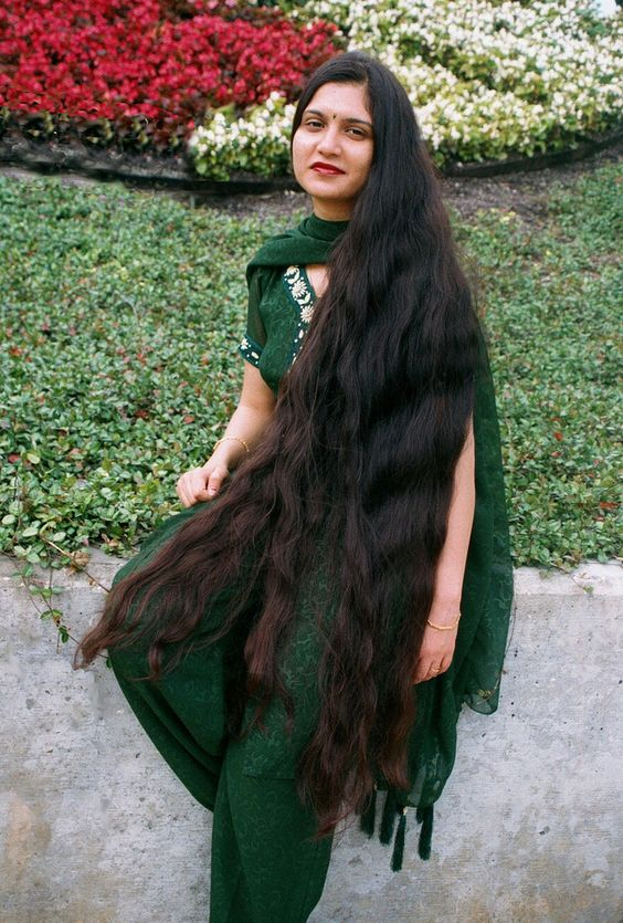 LONG hINDU HAIR longhairgirls Very long hair indian