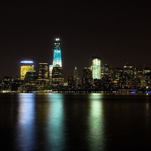One World Trade Center construction illumilation