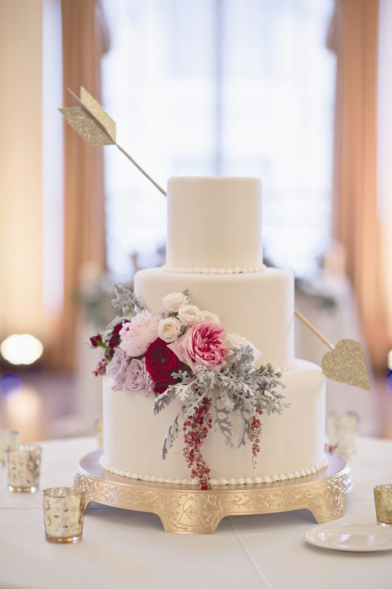 Cupid's arrow wedding cake for a Valentine's Day Wedding at The Colony Club in Detroit by Heather Saunders Photography. More wedding cakes: http://www.theknot.com/weddings/photos/cake: