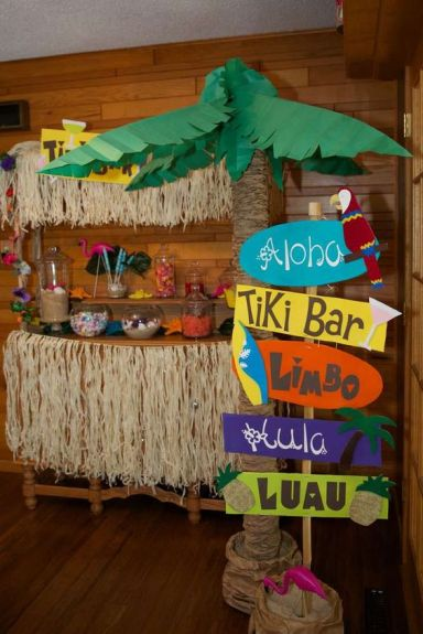Luau / Hawaiian Birthday Party Ideas | Photo 2 of 18 | Catch My Party: