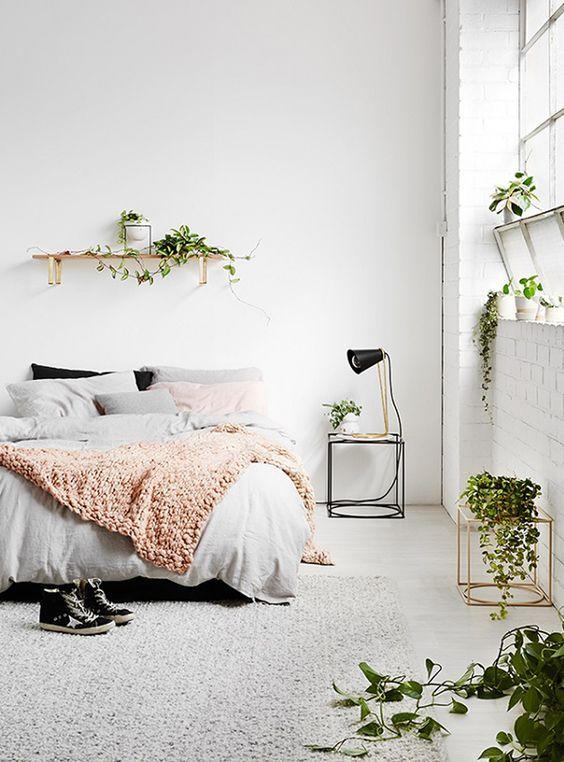 Bedroom / garden. Más:
