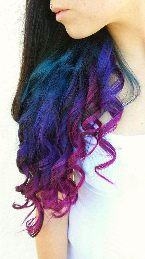 Rainbow hair, la nouvelle tendance capillaire qui colore la toile !: