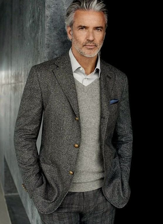 Masculine and classy gentlemans style in grey: