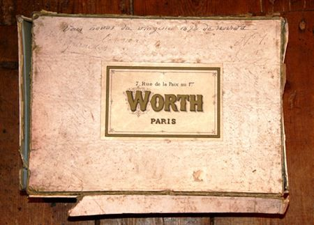 House of Worth, Label on Box: