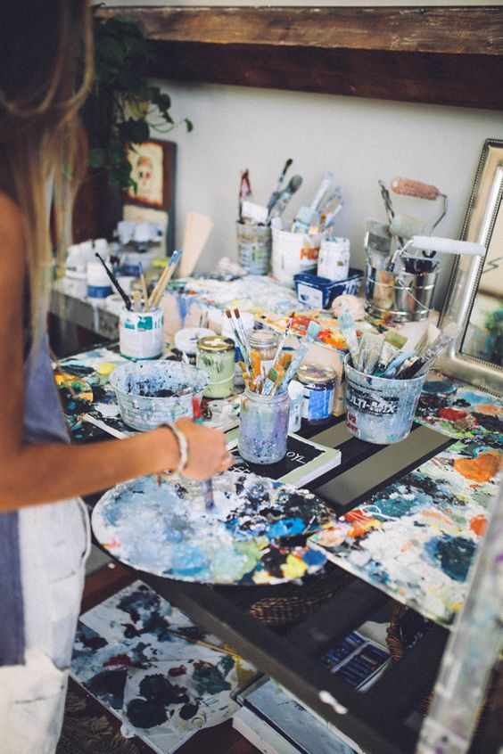 Painting is one of the more creative fun date ideas.