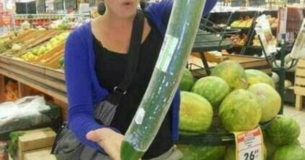 The Worlds Largest Cucumber O OMG Pictures