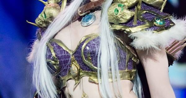 A Beautiful Sylvanas Cosplay 10 World Of Warcraft Cosplays Video Game Cosplays Pinterest