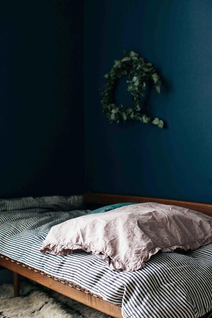 25 Best Ideas About Midnight Blue Bedroom On Pinterest