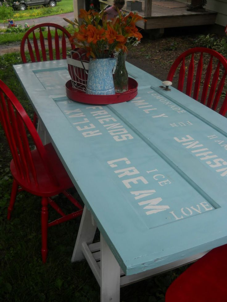 Turn an old door into an amazing table – so simple!!   #diy #table #rustic…..h