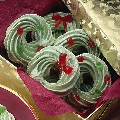 Christmas Meringues Recipe Lakes Holiday Wreaths And