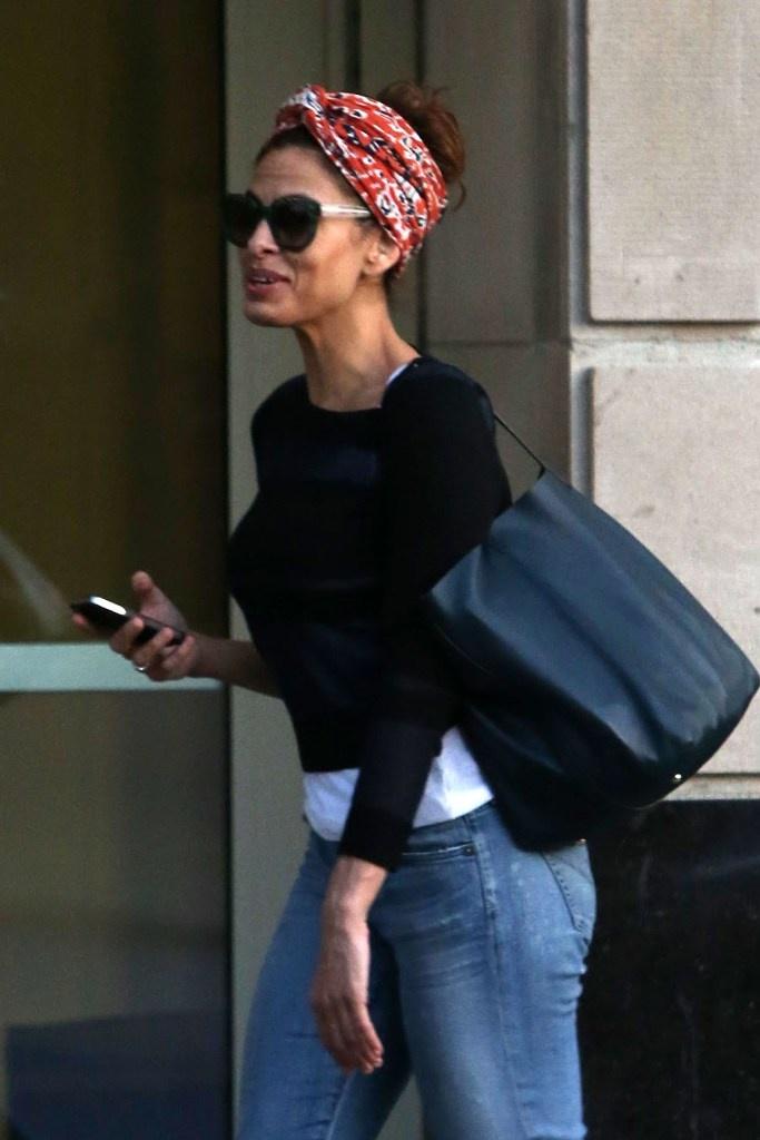 Eva Mendes Wearing Head Scarf Eva Mendes Pinterest
