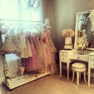1000 Ideas About Girls Dressing Room On Pinterest