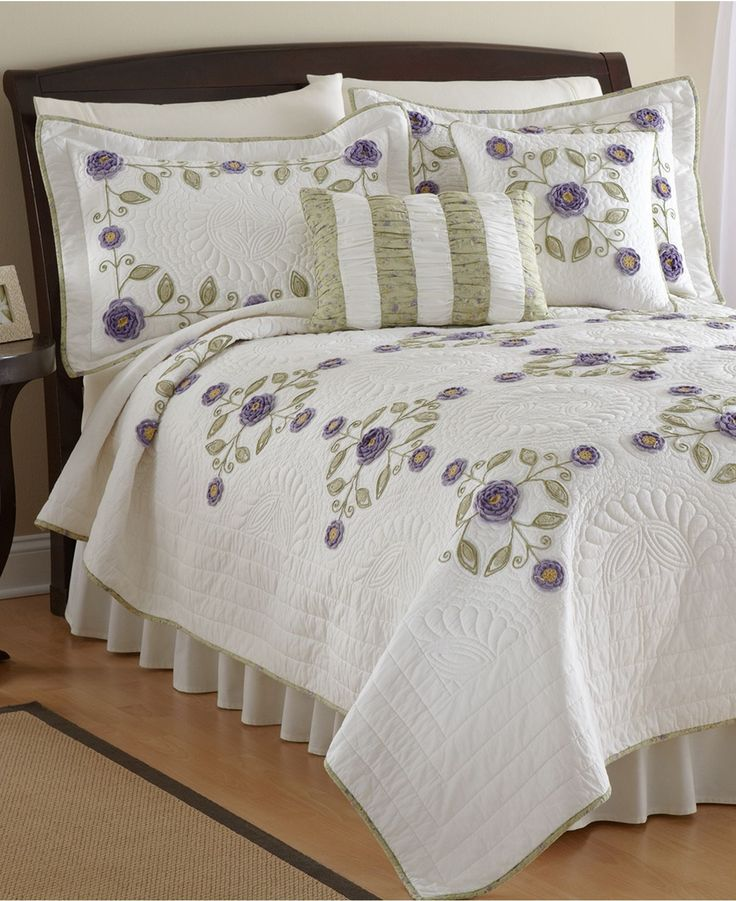 Nostalgia Home Bedding Dori King Quilt Quilts