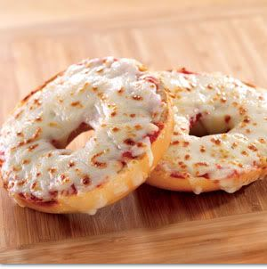 pizza bagels bagels with marinara sauce and mozzarella cheese