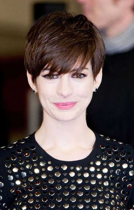 Anne Hathaway's Wonderful Pixie Lower with Amazing Layers and Very Charming Bangs: I Cannot Take my Eyes Off Her.