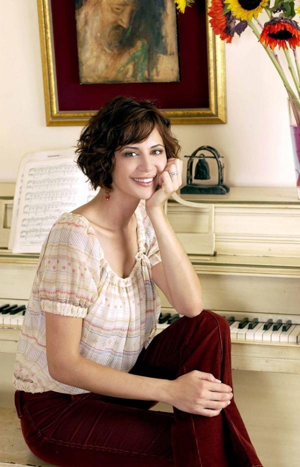 Catherine Bell Actresses Pinterest Bobs Short Wavy