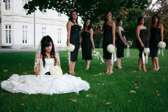 Unique Group Poses For Wedding Party Photos : Wedding