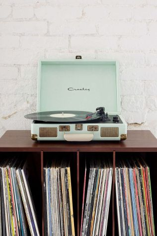$99.00 Crosley X UO Cruiser Briefcase Portable Vinyl Record Player | Urban Outfitters THE perfect player.: