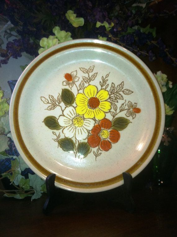 Dinnerware Lenox Holiday Collection