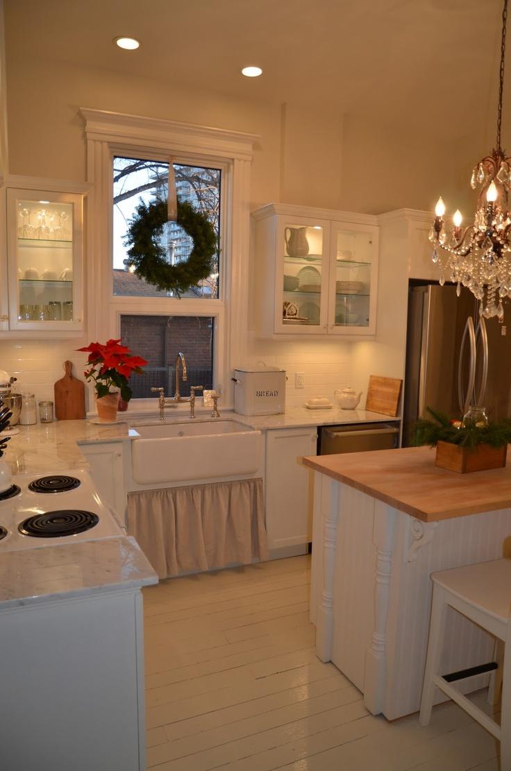 Canadian Cottage kitchen. Sink, skirt,