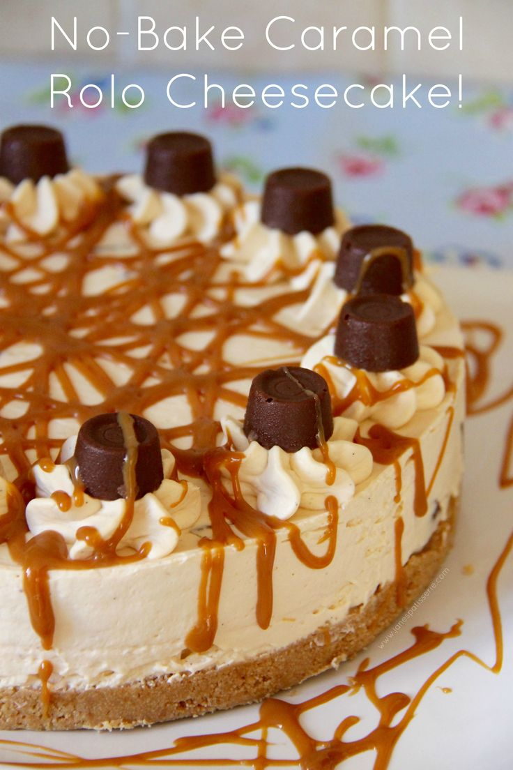 NO-BAKE CARAMEL ROLO CHEESECAKE – Caramel creamy cheesecake filling on top of a delicious buttery biscuit base drizzled with an