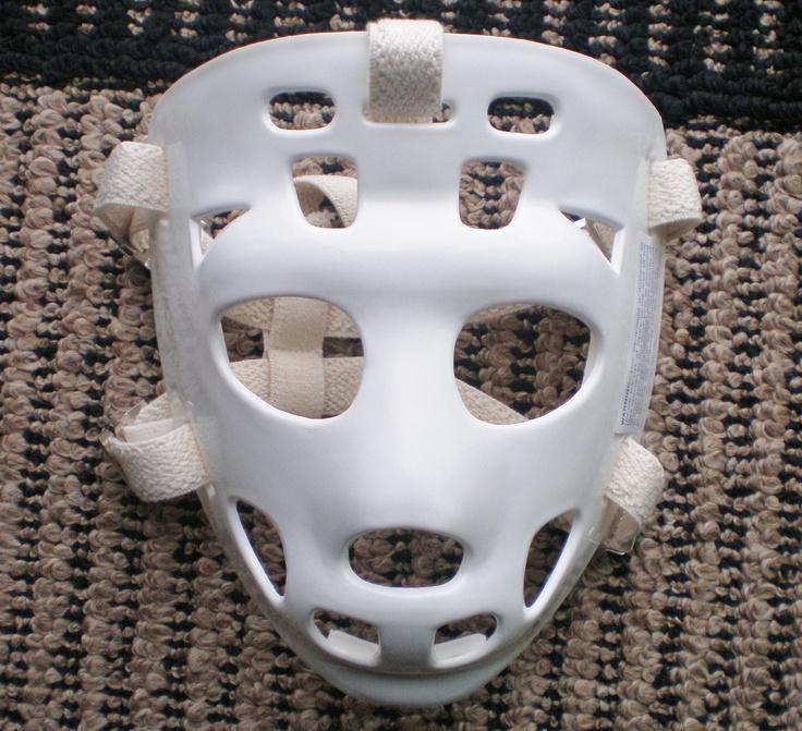 Mylec vintage tony esposito style white hockey goalie face