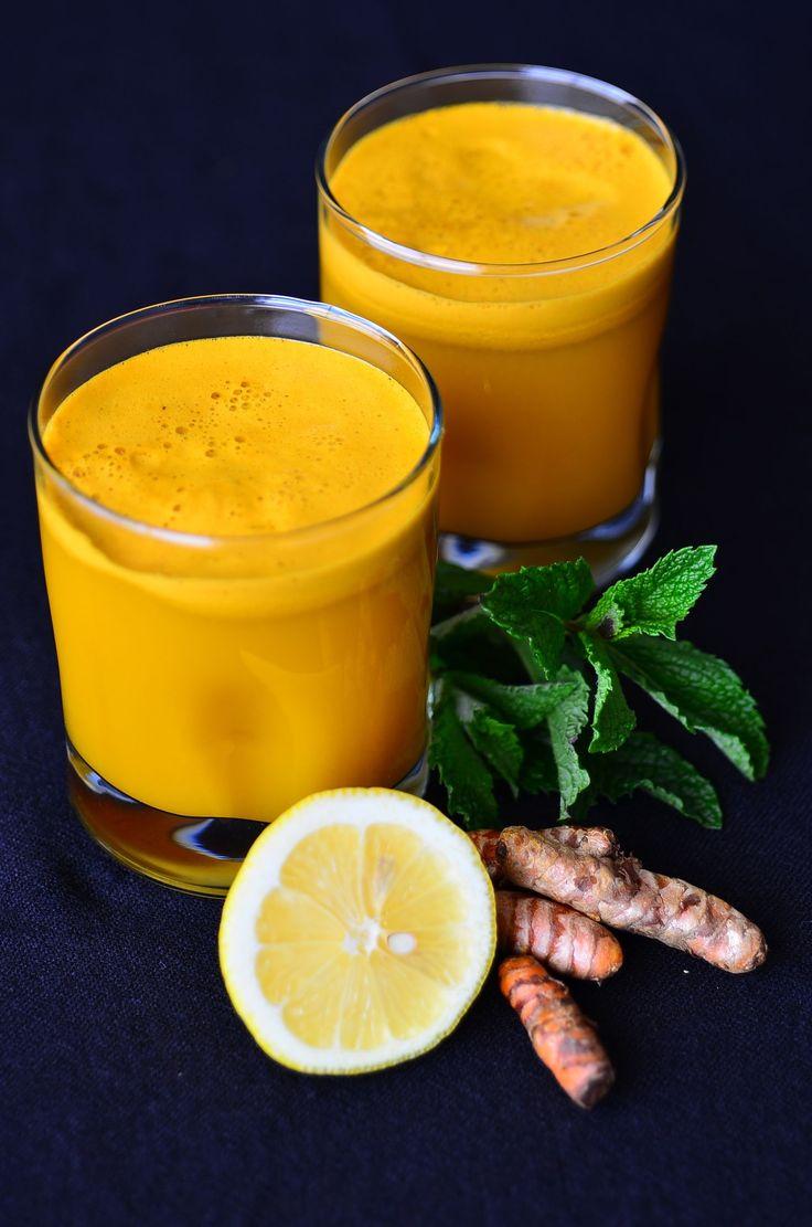 Carrot apple celery lemon ginger turmeric anti