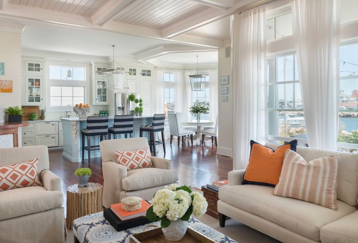 Beach House Chic Great Room With #sunbrella Sheers And