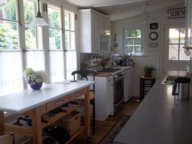 25 Best Ideas About Over The Stove Microwave On Pinterest Over Range Microwave Crown Molding