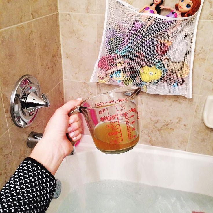 Apple cider vinegar bath ok friends we use a lot of