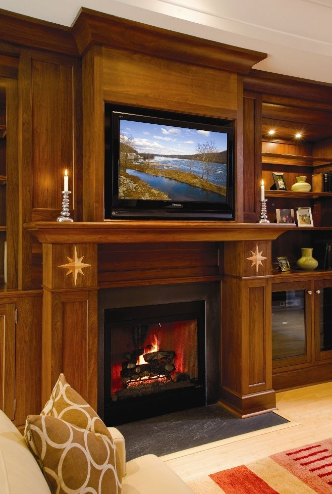 Built In Book Shelves And Entertainment Center With