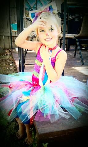 DIY Clown CostumeThis Year I Made My Little Girls