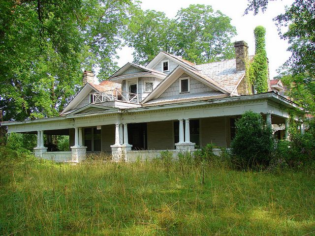 still pretty (some old homes in Alabama. According to the