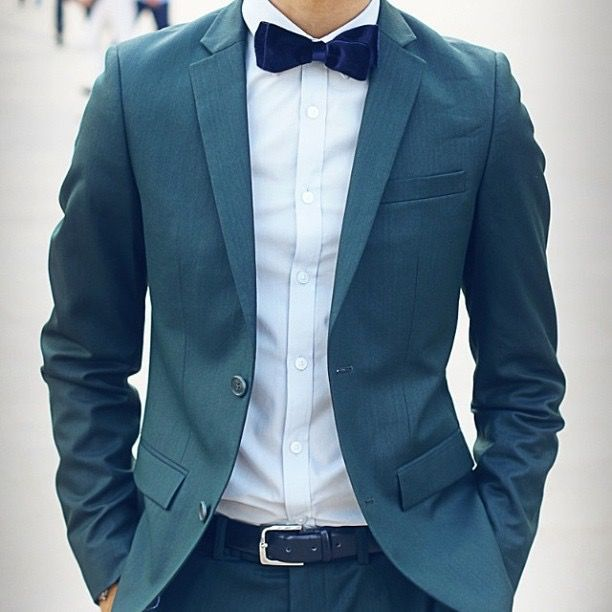 Light Groom Green Bow Tie