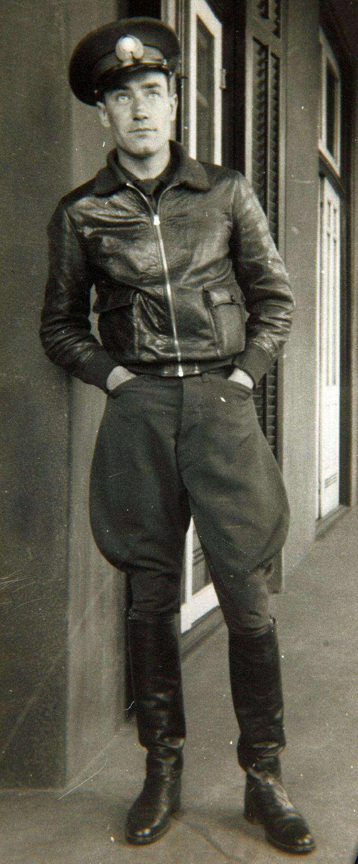 Prewar civilian leather jacket. 12 O'Clock HighAviation