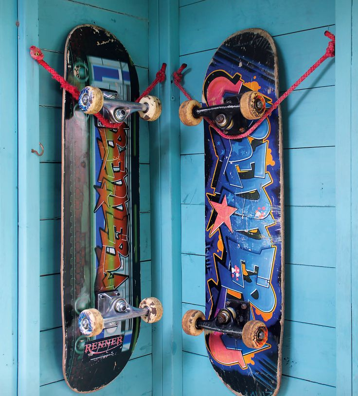 how to hang skateboard wall art