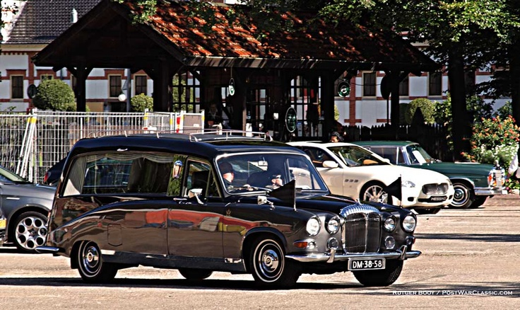 British Daimler Hearse, this is the style of hearse used