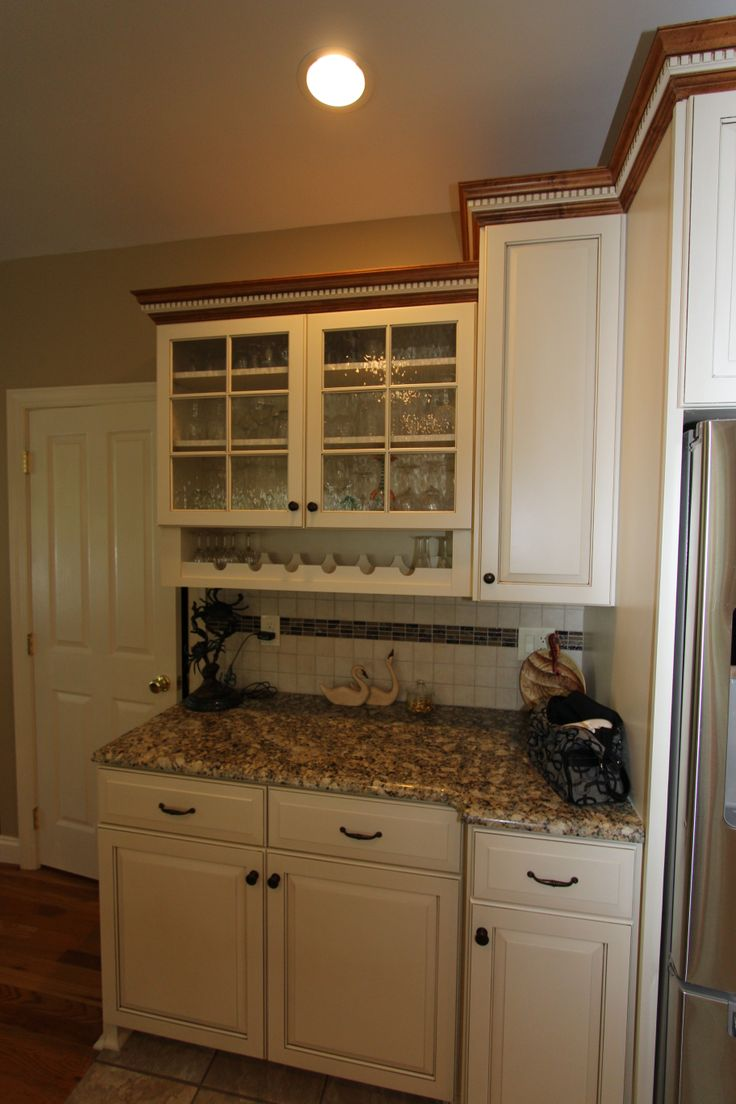 Gorgeous Glass Fronted Cabinet But Did You Notice The