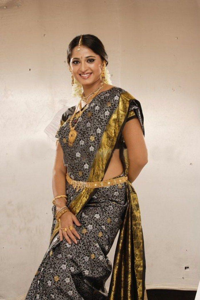 Anushka Shetty In Saree Veethi Anushka Pinterest