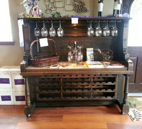 Re-purposed piano wine bar… that is an awesome idea! I am obsessed with this… but where do find an old piano?