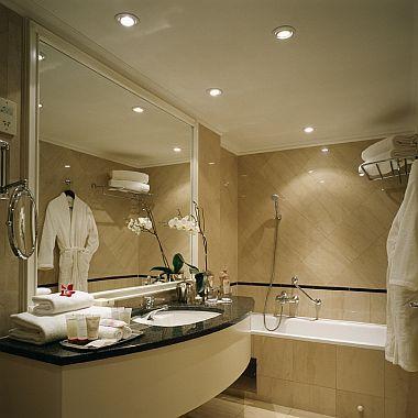 1000 Ideas About Luxury Hotel Bathroom On Pinterest